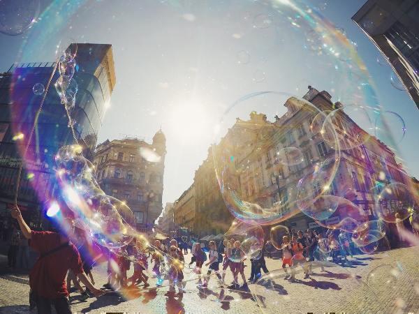 Der Blick durch die Seifenblasen